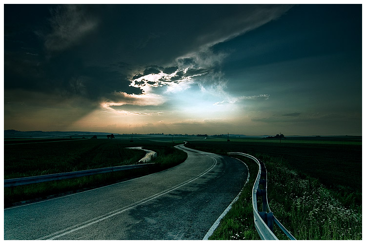 http://fkdkunsika.files.wordpress.com/2009/09/road_by_damnengine.jpg